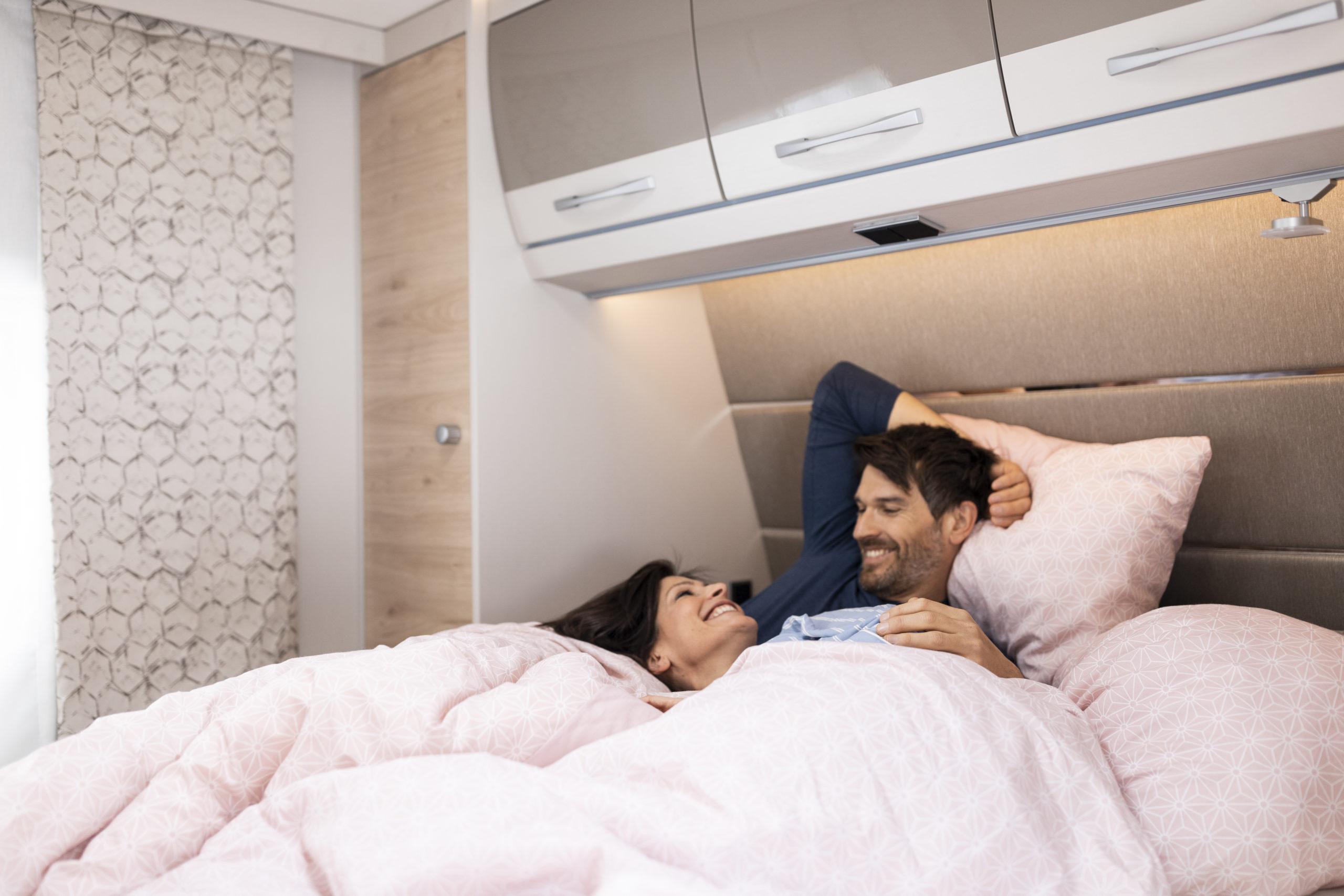 Schlafkomfort wie zuhause - das eigene Bett im Freizeitmobil ist immer an Bord