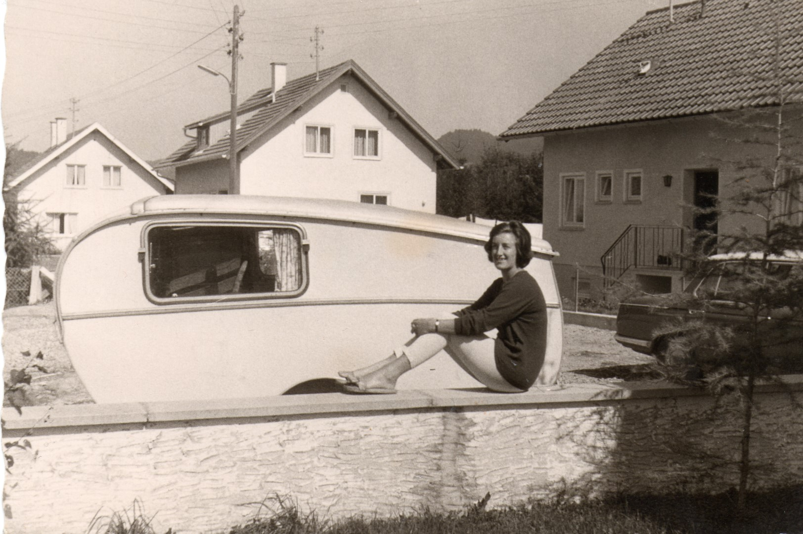 Gertrud Uetz 1960 mit ihrem Tourist