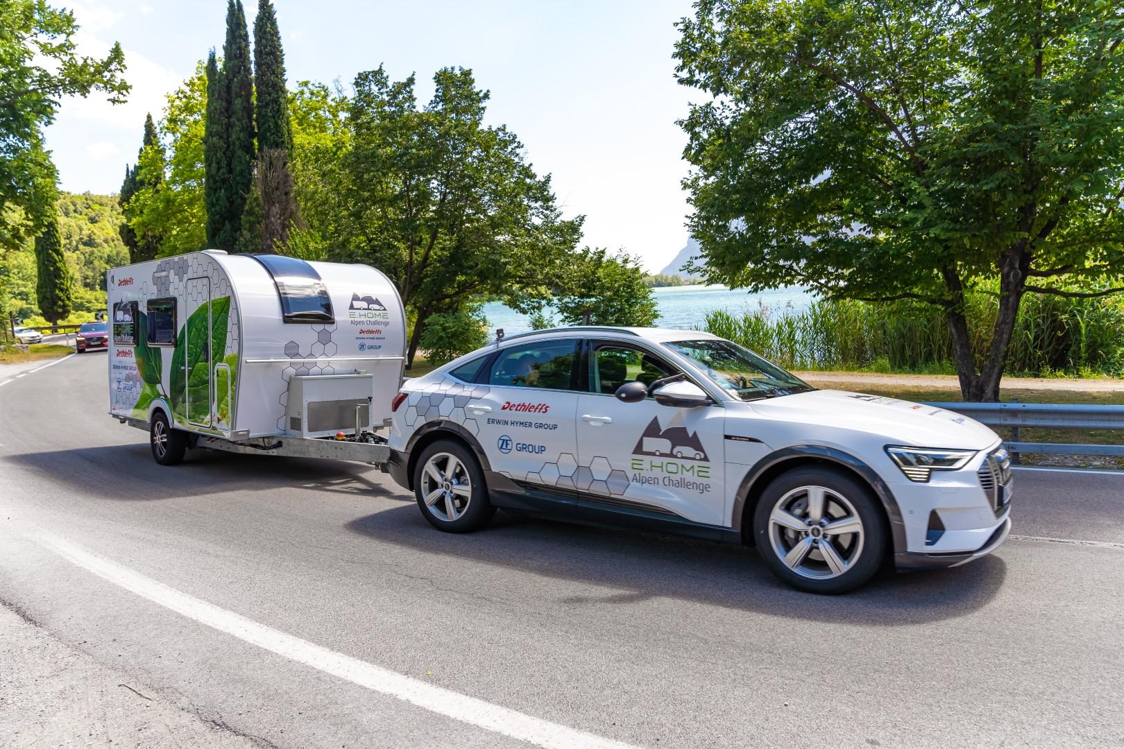 Elektro-Gespann aus Audi e-tron und Dethleffs E.HOME
