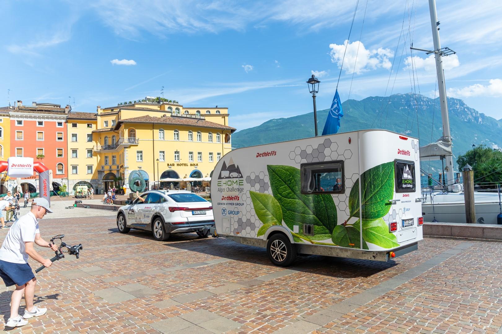 Elektrischer Wohnwagen von Dethleffs kommt in Riva an