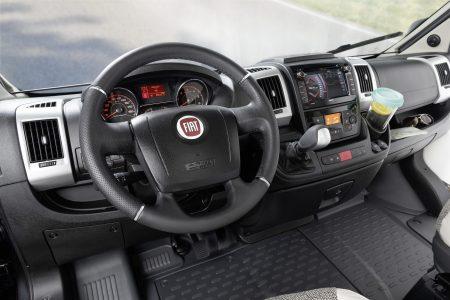Armatur reinigen - so pflegen Sie das Cockpit im Dethleffs Wohnmobil richtig